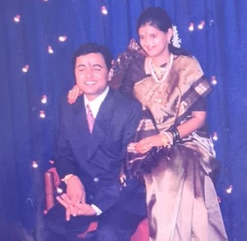 subodh bhave manjiri wedding photo