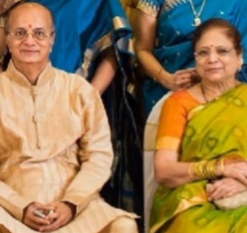 dilip prabhavalkar with wife nila prabhavalkar